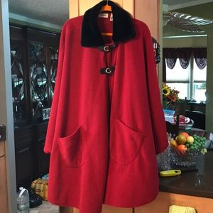 A nice red with fake fur collar. Cape
